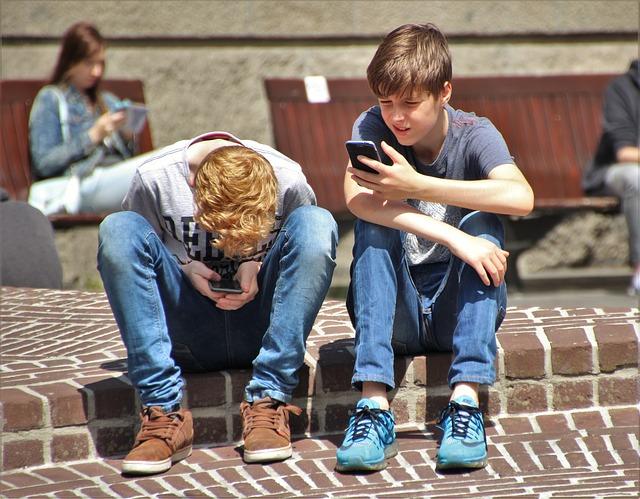 Das Smartphone ist schädlich für den Rücken
